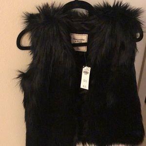 Abercrombie & Fitch faux fur vest brand new